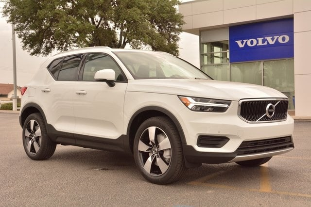 New 2020 Volvo Xc40 T4 Momentum Front Wheel Drive Suv